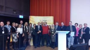 Українська делегація з організаторами та почесними гостями конференції.