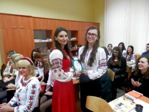 Доц. Тригубчак О.В. зі студенткою IV курсу II групи Величко Іванною