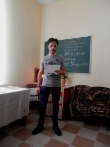 Студент I курсу VI групи Ельбехірі Мохамед Аліалла Ельсайед читає вірш «Надія» (Hope)