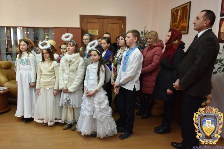 Дзвінка коляда Новосільської громади лунала у ТДМУ